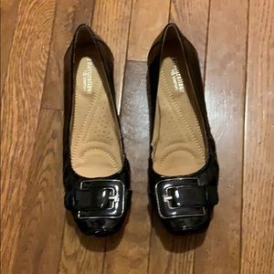 New w/out tags black ballets slide on dress shoes
